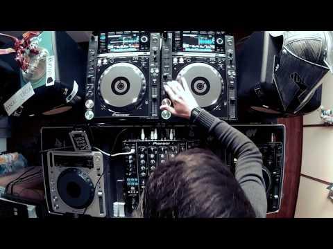EDM Live Mix #2 April [FREE DOWNLOAD]