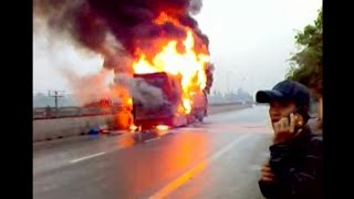 Cháy xe khách giường nằm Phương Ly 37B 00670 - trên Quốc lộ 1A - bản Full