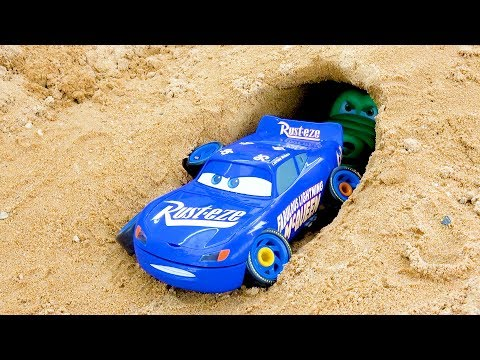 Disney Pixar Cars 3 Fabulous Lightning McQueen There is a Shark in the Cave