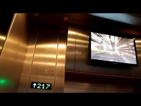 Подём на Останкинскую башню, внутри лифта