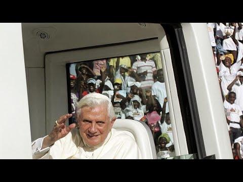 أنباء عن  تدهور صحة بابا الفاتيكان السابق بنديكتوس السادس عشر بعد شهر من وفاة أخيه الأكبر…