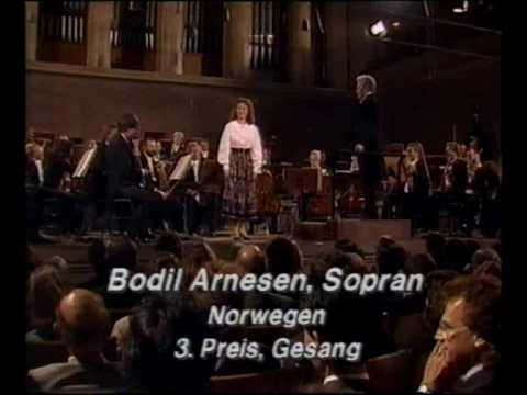 Bodil Arnesen sings Solveigs Song by Edvard Grieg.