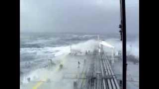 Сильный шторм в Атлантическом океане . Olympia (300m)
