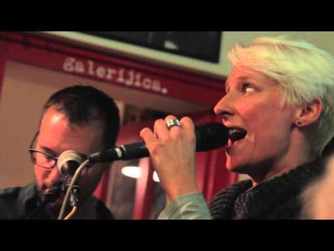 Neno Belan & Fiumens ft. Ana Kabalin - Tvoj glas @ dnevni boravak