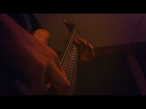 2 Mic Bass Tone - Using Telefunken M82 and AKG P220