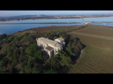 Villeneuve Les Maguelone, la cathédrale vue par un drone