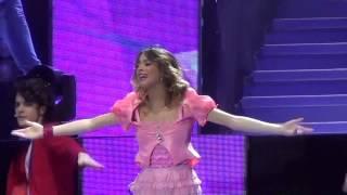 Violetta (Martina Stoessel) - Hoy somos màs (Live @ Palapartenope - Napoli) FULL HD - 23/01/2014