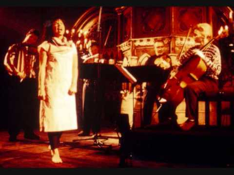 Björk & Brodsky Quartet - Anyone Who Had A Heart