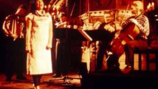 Björk & Brodsky Quartet - Anyone Who Had A Heart