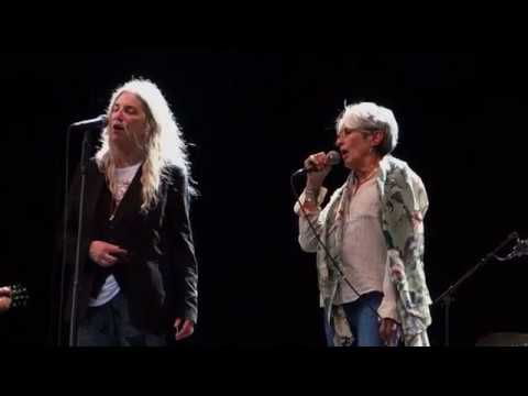 Patti Smith u. Joan Baez - A Hard Rain´s A-Gonna Fall - Köln 2018