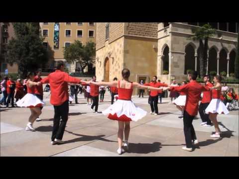 Colla Maig - Sardanes a Montserrat 19-4-2015