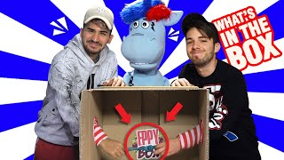 COSA C'È NELLA SCATOLA? - What's In The Box Challenge - MATT e BISE vs EPPY