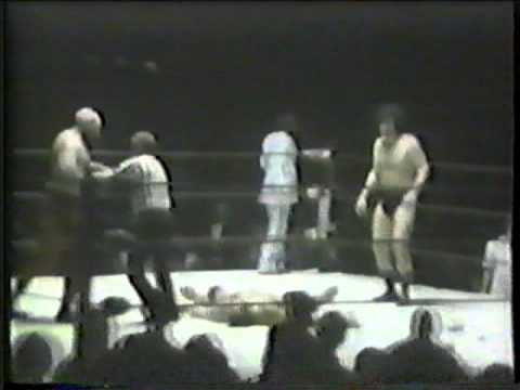 Ox Baker starts riot in 1974