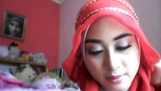 Cara Simple Memakai Jilbab Segi Empat Paris Modern (2014) #2 Thumbnail