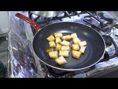 Bột Chiên - New York / Crispy cube rice cake with eggs