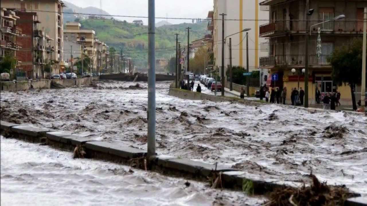 alluvione devasta barcellona pozzo di gotto per non