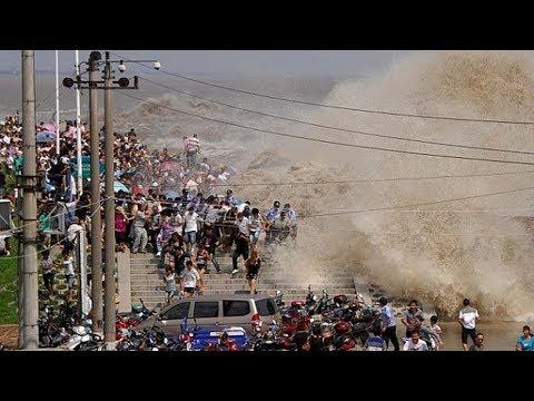 12 самых огромных волн в истории.  Мощнейшие цунами - Видео онлайн