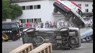 【大迫力のカースタント!】連続横転&パトカーのTボーンクラッシュ! thumbnail