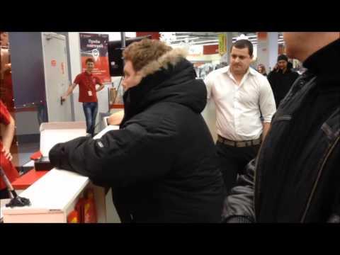 """Недовольный покупатель в М-Видео """"а давайте я спокойный"""""""