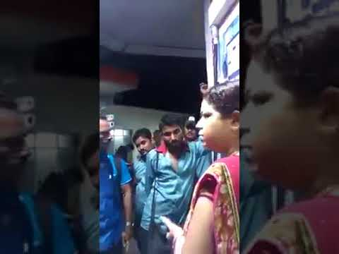 indian oil makes fraud with people for filling fuel and this lady teach them there mistakes