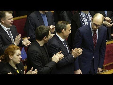 Ukraine: le gouvernement Iatseniouk obtient la confiance du parlement