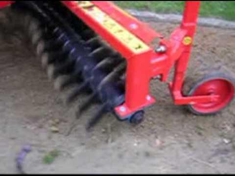 Rateau cailloux et pierres pour micro tracteur kubota for Cailloux pour decoration jardin