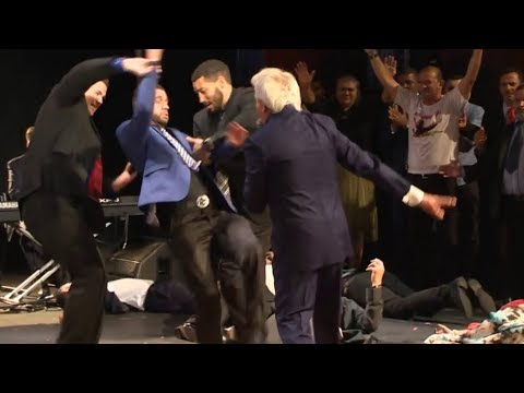 Benny Hinn - Strong Anointing of the Spirit in São Paulo