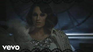 Смотреть клип Anna Tatangelo - Bastardo