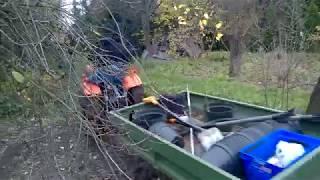 Traktorek ogrodniczy Kubota 7001 z przyczepką. www.akant-ogrody.pl