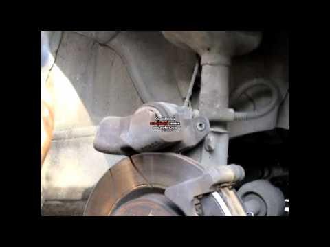 Cambio pastiglie anteriori Renault Clio II 1.5 Dci 2004