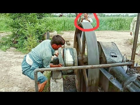 starting amazing old black engine working with amazing Technology agriculture in the Pakistan