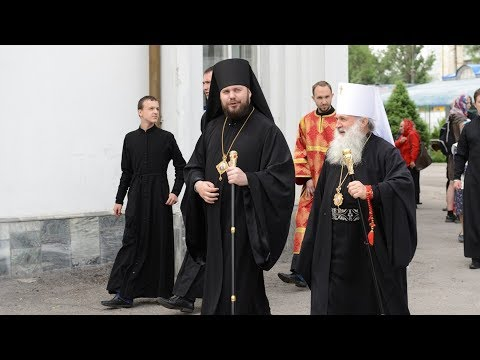 Узбекистанский митрополит посетил Таджикистан