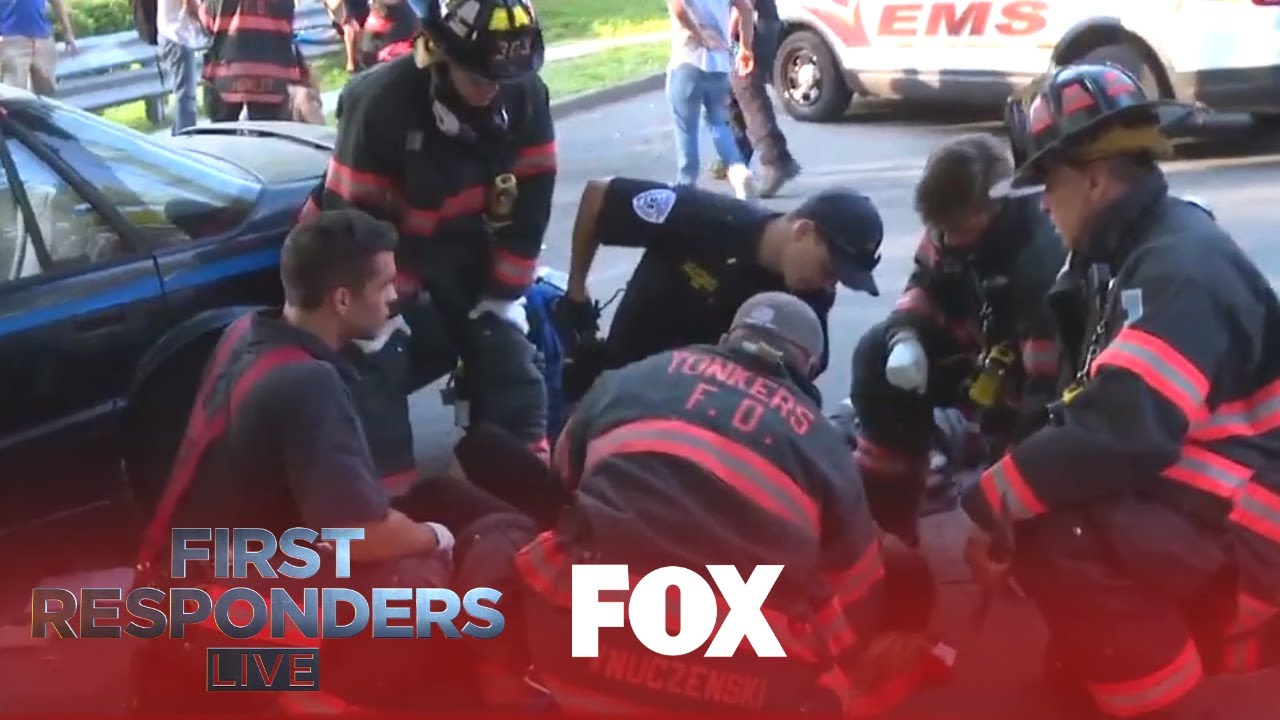 Download The First Responders Arrive At A Crash Scene   Season 1 Ep. 5   FIRST RESPONDERS LIVE