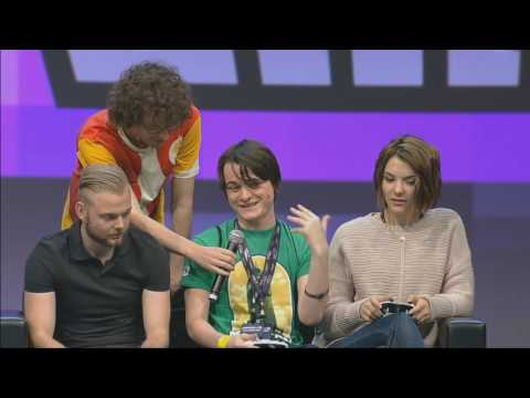 MINECON 2016 YouTubers vs 4J Studios : Mini Game Showdown!