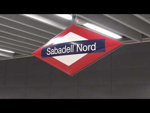 Metro del Vallés / FGC - 113.10 entrando en la estación de Sabadell Nord