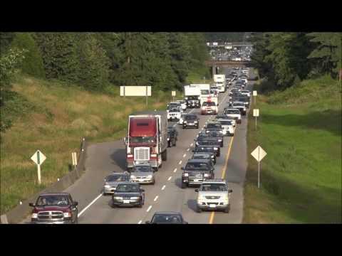 Kanada'da yoğun trafikte ambulansa verilen tepki!