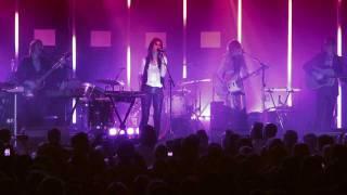 Charlotte Gainsbourg - Heaven Can Wait (Live)