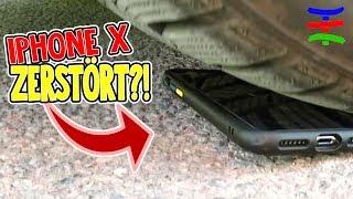IPHONE X ZERSTÖRT 😱? Mit dem Auto übers IPHONE... 😁 TipTapTube Family 👨👩👦👦