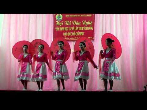 Múa gọi bạn ben suoi trường TH Ea Tiêu  tiết mục đạt  giải nhất hội thi huyện Cu kuin