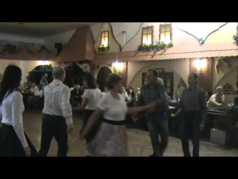 ukázka Square dancingu v podání skupiny Colorado Kladno,  u zlatého selátka v Kladně.