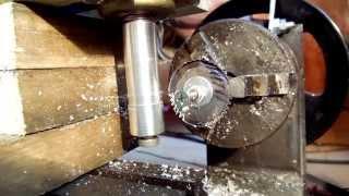 видео Нарезание зубьев на заготовках из пластмасс