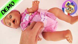 Nourrir poupée BABY BORN + Mettre la couche - Qu'y a-t-il avec la poupée Baby Born?