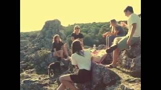 cølú - a day with friends - the picnic