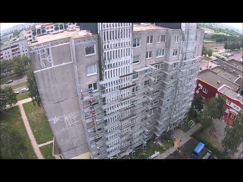 Pavojingas Statybininkų darbas. Construction Workers Form Impressive Line. Funny & Dangerous Job.
