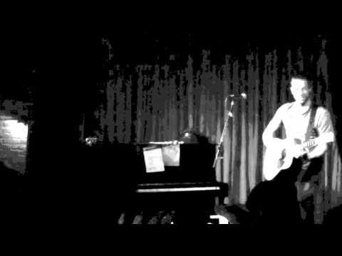 Coldplay - Viva La Vida (Chris Martin - Hotel Cafe Secret Show - Acoustic)