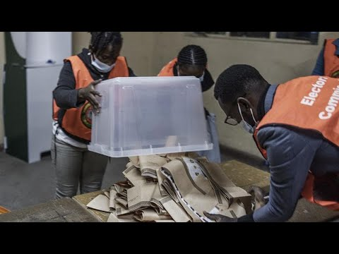 Download Polls close in Zambia's high-stakes election