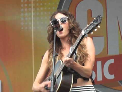 Kelleigh Bannen- Friends In Low Places (Garth Brooks Cover)
