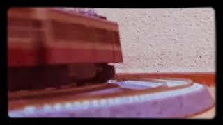 西武赤電のすれ違い(KATO701とGM初代401)