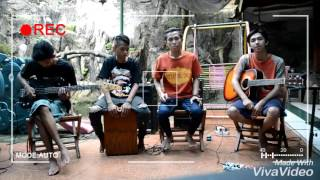 "Video Rizky Febian""Kesempurnaan Cinta 'cover' live Acoustic By""the key miss three"" download MP3, 3GP, MP4, WEBM, AVI, FLV Desember 2017"