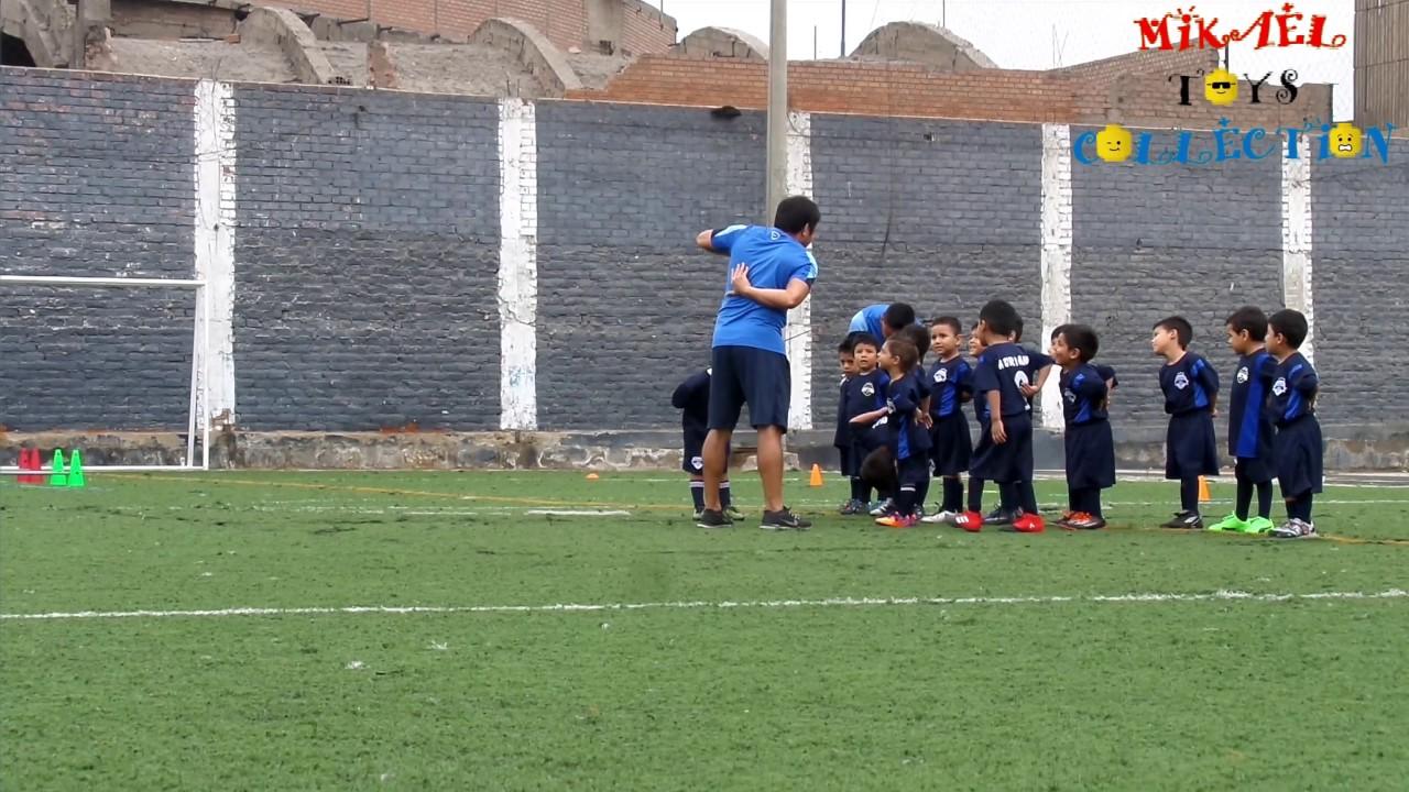 8ddf831450973 Ejercicios de fútbol para niños  técnicas y entrenamiento - YouTube